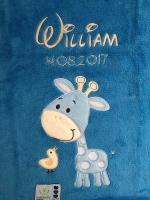 Babydecke - bestickt mit Name - Blau GIRAFFE