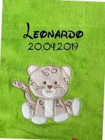 Babydecke - bestickt mit Name - Apfelgrün LEOPARD