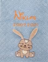 Babydecke - bestickt mit Name - Hellblau - HASE (extra Flausch)