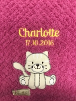 Babydecke - bestickt mit Name - Pink - KATZE (extra Flausch)
