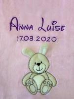 Babydecke - bestickt mit Name - Rosa HASE